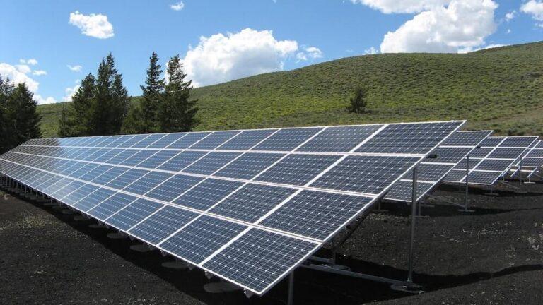Solcelleanlæg i landskabsområde